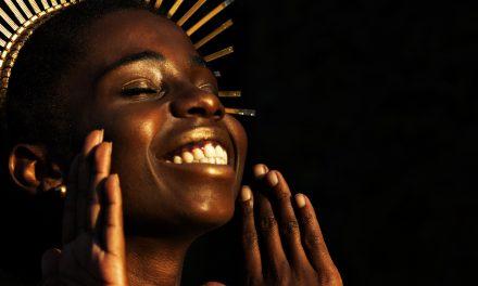 Bloco É de Nãnan 2020 desfila cultura afro-brasileira