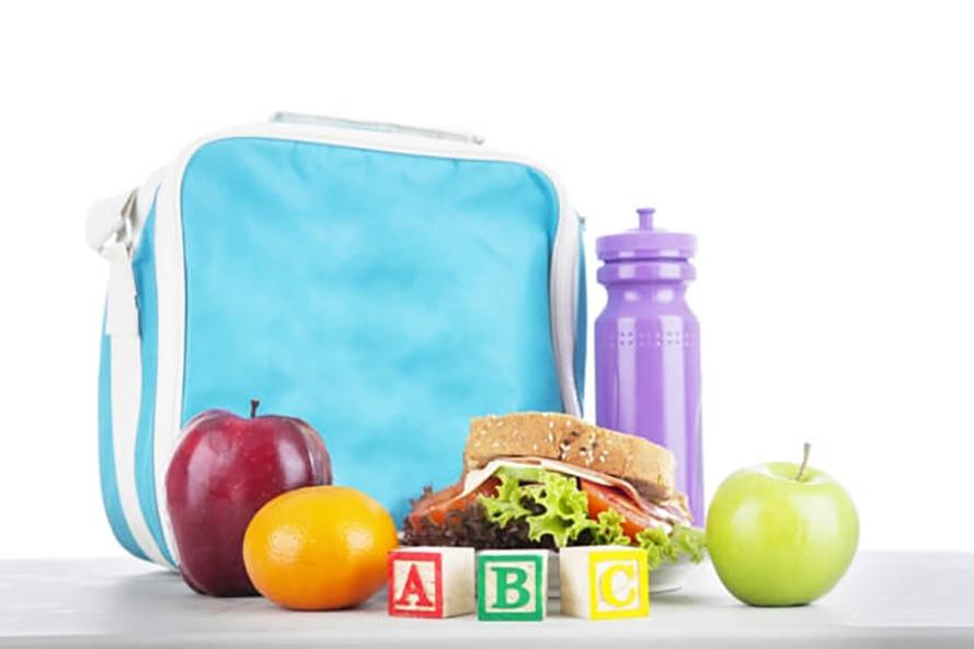 Lancheira: Nutricionista do Colégio CIMAN lista algumas dicas sobre os perigos da má alimentação na infância