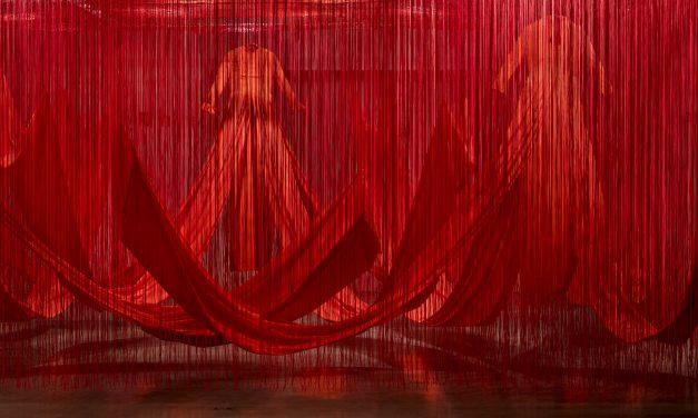 Chiharu Shiota em exposição no CCBB Brasília