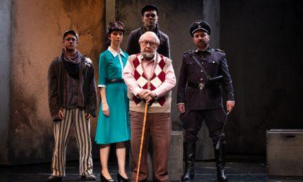 """Espetáculo """"O Ovo de Ouro"""" retrata a dor dos judeus durante o nazismo"""