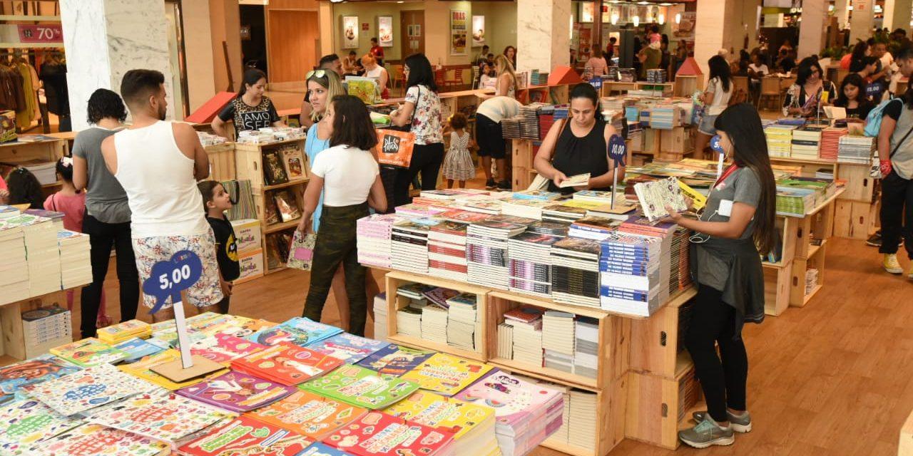 Feira Cultural do Livro no Taguatinga Shopping