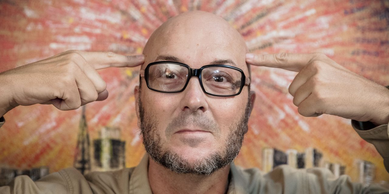 A Cia Brasilienses de Teatro oferece aulas de nova oficina on-line