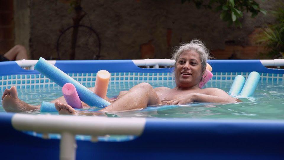 """Destaque em Cannes, doc LGBT """"Indiarana"""" estreia hoje nas plataformas digitais"""