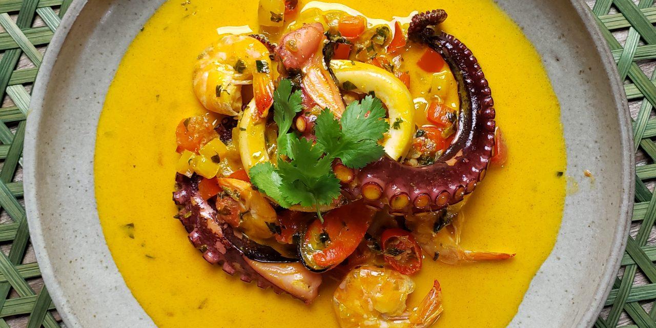 Caldeirada de Frutos de Mar do chef Henrique Escabia