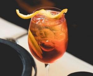 Cacau Spritz é uma deliciosa sugestão de drink da Costa do Cacau