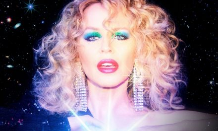 A cantora Kylie Minogue é a homenageada do mês no POPline.space