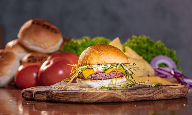 389 Burger da Asa Norte comemora aniversário com promoção