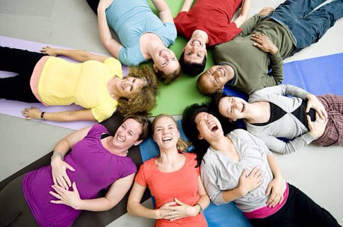 Terceira edição da Semana do Yoga do Riso Online