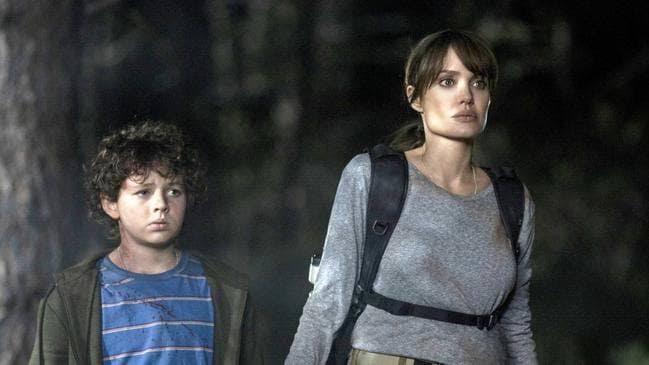 Aqueles que me desejam a morte suspense de ação com Angelina Jolie chega aos cinemas