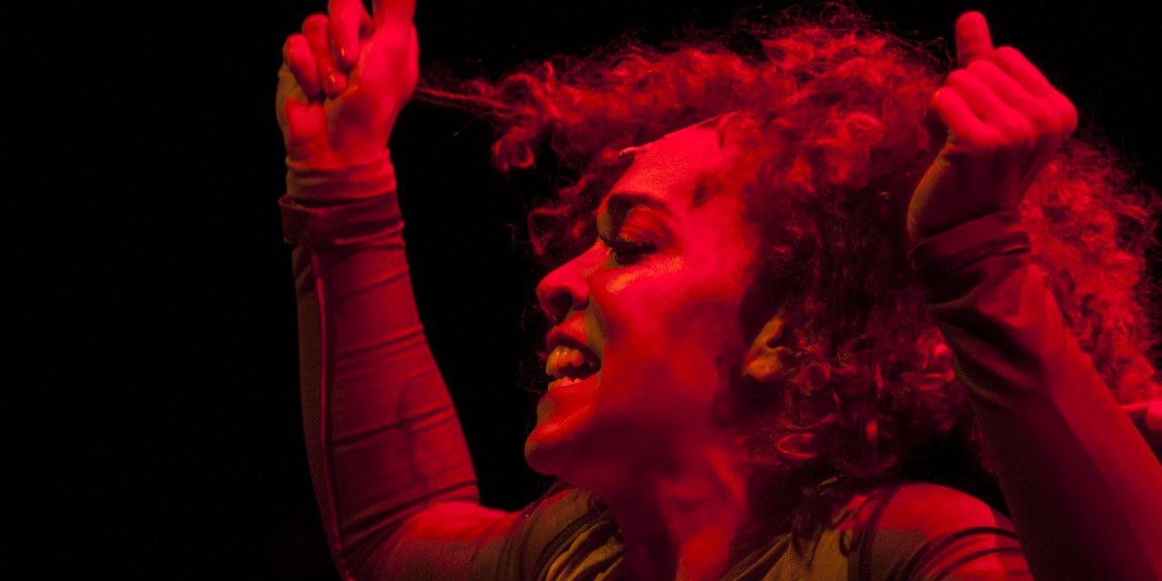 A atriz Laila Garin sobe ao palco no musical ' A Hora da Estrela', no CCBB Brasília a partir de 24 de junho