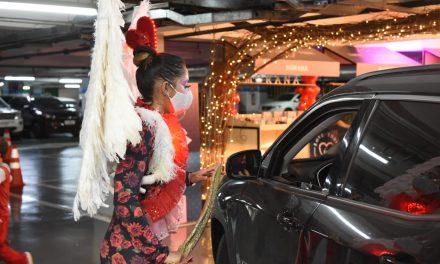 Brasília Shopping promove drive-thru temático para celebrar o Dia dos Namorados