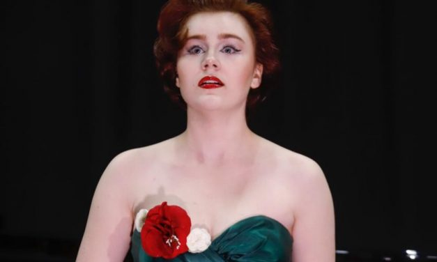 Opera Brasilis com a jovem soprano brasiliense Manuela Korossy no CCBB
