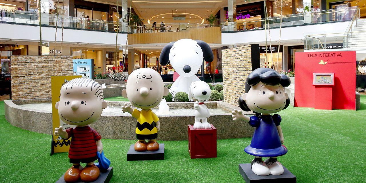 Exposição Turma do Snoopy – 70 Anos fica mais uma semana e ParkShopping abraça novamente a causa dos bichinhos abandonados na feirinha de adoção