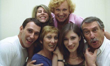 Neta de Nicette Bruno e Paulo Goulart dá curso grátis sobre sua família no teatro